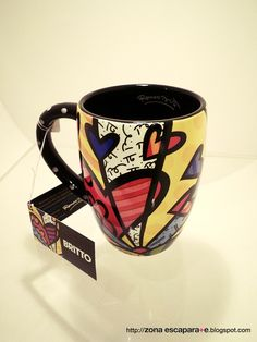 #Romero Britto HEARTS Coffee Mug♥≻★≺♥ Pop Art Design, Art Designs, Coffee Heart, Coffee Mugs, Stars Disney, Sculpture Art, Sculptures, Everyday Objects, Kitchen Stuff
