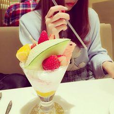 おいしいパフェを食べました フルーツが沢山だから美味しかった by mim_11_11