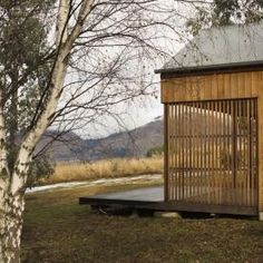 Wakatipu Guest House - Team Green Architects - New Zealand - Exterior 2 - Humble Homes Dutch Gardens, Farm Shed, Hot House, Relaxing Places, Passive House, House Entrance, Entrance Hall, Decks And Porches, Space Architecture