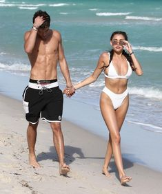 Madison Beer and Jack Gilinsky at the beach in Miami, today! Madison Beer Body, Madison Beer Bikini, Jack Gilinsky, Bikinis, Swimsuits, Swimwear, Jack And Madison, Estilo Madison Beer, Maddison Beer