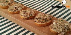 Crostini funghi e stracchino ricetta Tessa Gelisio da Cotto e Mangiato | Cucina in tv