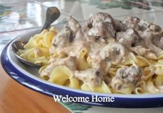 Beef Tips in Gravy Best Pasta Recipes, Meat Recipes, Cooking Recipes, Beef Tips, Crock Pot Cooking, Beef Dishes, Soul Food, Gravy, Salsa