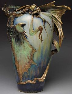 art nouveau vienna and europa — cair–paravel: Vase with dragon, Amphora. Make large decorative vases with relief decoration of characters Design Art Nouveau, Jugendstil Design, Art Sculpture, Arte Floral, Dragon Art, Pottery Vase, Oeuvre D'art, Art World, Ceramic Art