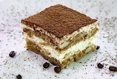 Tiramisu: All time favorite dessert. Best Tiramisu: Figlio's on the Plaza in KC Tiramisu Cheesecake, Bolo Tiramisu, Tiramisu Dessert, Classic Tiramisu Recipe, Italian Tiramisu, Italian Desserts, Sweet Recipes, Cake Recipes, Dessert Recipes