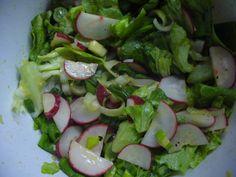 Jak připravit jarní ředkvičkový salát | recept Asparagus, Sprouts, Cabbage, Salads, Food And Drink, Vegan, Chicken, Vegetables, Fitness