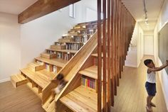 Slide staircase with bookcase Modern Staircase, Staircase Design, Stair Design, Floor Design, Pallet Stairs, Diy Pallet, Deck Stairs, Wooden Stairs, Stair Slide
