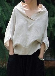 """Nice sort of """"peasant look"""" blouse. - Great linen shirt by Oupoooe Mode Style, Style Me, Diy Vetement, Fashion Details, Fashion Design, Casual Styles, Mode Inspiration, Beautiful Dresses, Ideias Fashion"""