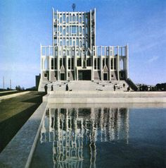 Gio Ponti - Gran Madre di Dio - Taranto - Italy Gio Ponti, Monumental Architecture, Modern Architecture, Modern Church, Place Of Worship, Brutalist, Best Photographers, Dieselpunk, Willis Tower