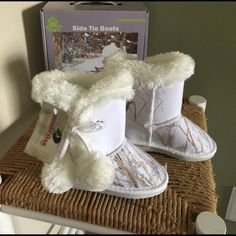 7dcb2f56d28 Dawgs pom pom boots size 10 Excellent shaped boots UGG style! Dawgs ...