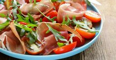 Recette de Salade de jambon de Parme, roquette et tomates minceur. Facile et rapide à réaliser, goûteuse et diététique.