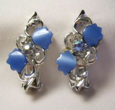 Vintage BLUE THERMOSET & AB RHINESTONE CLIP ON EARRINGS