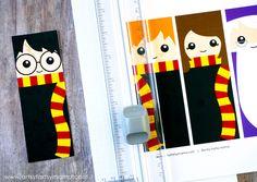 Diy paper bookmarks harry potter 33 ideas for 2019 Marque Page Harry Potter, Harry Potter Classes, Cumpleaños Harry Potter, Harry Potter Bookmark, Harry Potter Characters, Imprimibles Harry Potter, Potter School, Paper Punch Art, Harry Potter Printables