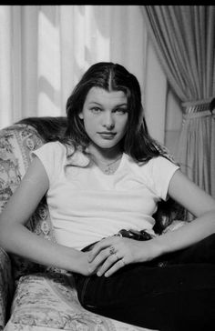 Milla Jovovich, July 1991