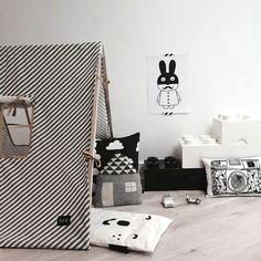 tente ferme living black and white