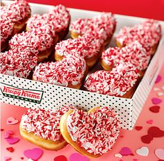 valentines day food images Can you believe these pretty Valentine's Day heart cookies are natural? Valentine's Day Food that food ca. Valentines Day Food, My Funny Valentine, Valentines Breakfast, Valentine Stuff, Valentine Recipes, Valentine Party, Valentine Cookies, Krispy Kreme Doughnut, Brunch