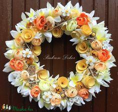 Pasztell boglárkás kopogtató (28 cm) KÉSZTERMÉK (pinkrose) - Meska.hu Floral Wreath, Wreaths, Home Decor, Room Decor, Garlands, Home Interior Design, Decoration Home, Floral Arrangements, Flower Garlands