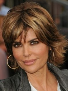 Stylish Medium Hair Styles for Mature Women