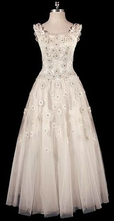 Dior wedding dress (c. 1950). I'd love to get married in a gown like this.