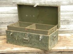 old WWII vintage olive drab US Army foot locker trunk or chest