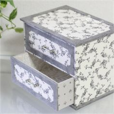 Packaging Ideas, Decoupage, Decorative Boxes, Craft Ideas, Gifts, Home Decor, Box, Holiday Wreaths, Cartonnage