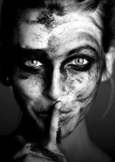 """De onwetende Fairies zijn die andnot voldoen, maar erkennen dat ons leven veranderen. Zijn niet die van sprookjes, omdat zij zeggen een paar leugens. Ze zijn onwetend, expliciet, zelfs zwaar op keer, maar niet over gevoelens liegen. De onwetende Fairies zijn allen die in de open lucht, leven hun gevoelens en zijn niet bang om ze te uiten. Zij zijn de mensen die ronduit spreken, leeft zijn eigen contradicties en het negeren van strategieën. Vaak passeren ze voor """"dom"""", omdat ze lijken on..."""