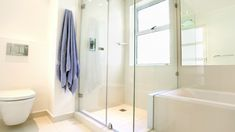 Simple Shower Cleaning Hack With Dish Brush - First For Women Small Bathroom Paint, White Master Bathroom, Master Bathroom Shower, Bathroom Ideas, Master Bedroom, Bathtub Dimensions, Electric Showers, Shower Sizes, Shower Units