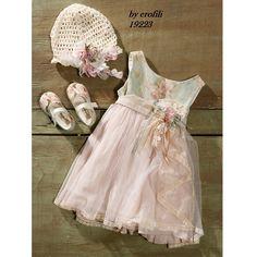 Φορεματάκι βάπτισης με φλοράλ μπούστο και ροζ φούστα μουσελίνα. Κωδικός Προϊόντος: ΕΡ.14 (19223) Flower Girl Dresses, Baby Dresses, Girl Nursery, Christening, Princess, Wedding Dresses, Beautiful, Collection, Events