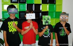 Minecraft Party Photo Op - square paper plates
