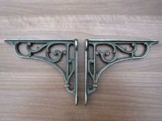 Antique-Style-Pair-of-Cast-Iron-Victorian-Vintage-Shelf-Brackets