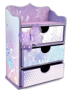 Going to have to remember this. Beautiful 3 drawer Beyond the Page by Kaisercraft. Perfect for jewelry, desk items even scrapbook pieces! Diy Cardboard Furniture, Cardboard Box Crafts, Diy Crafts For Girls, Fun Crafts, Paper Crafts, Decoupage Tutorial, Decoupage Box, Recycled Crafts, Handmade Crafts
