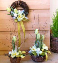 Jarní sada s tulipány & Zboží prodejce salvia Easter Flower Arrangements, Easter Flowers, Floral Arrangements, Frame Wall Decor, Frames On Wall, Cemetery Flowers, Church Flowers, Easter Wreaths, Easter Crafts