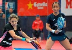 Eli Amatriain y Patty Llaguno (@pattytxu ) se proclaman ganadoras del Estrella Damm Barcelona Master tras vencer a Carolina Navarro y Ceci Reiter por 6/1 4/6 y 6/2. Muy grandes chicas!  #worldpadeltour #wptbarcelonamaster #padel #instapadel #padeltime #barcelona #padeladdict #wptbarcelona