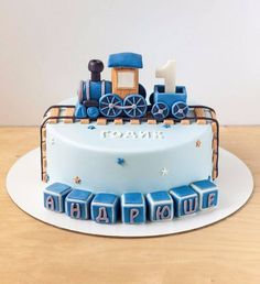Торт на годик с паровозиком