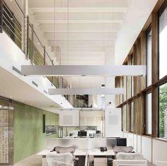Stile globale e anima italiana A Milano, nel cuore del design district, nasce la nuova sede di Autodesk Italia, firmata GaS Architects. Architettura a basso impatto ambientale, efficienza energetica, respiro internazionale e anima made in Italy si fondono nell'ambiente efficiente e funzionale, certificato LEED Gold Commercial and Interiors.