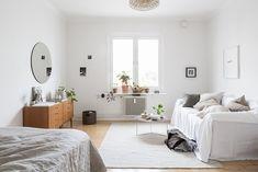 Light studio apartment