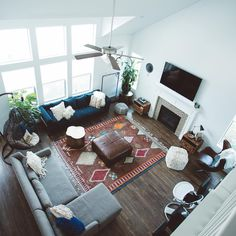 Home sweet home 🏡 Eclectic Living Room, Home Living Room, Apartment Living, Living Room Decor, Living Spaces, Living Area, Interior And Exterior, Interior Design, Interior Inspiration