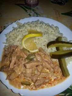 Hentestokány, egy igazán ínycsiklandó étel, ami ünnepi ebédnek is megfelel! Meat Recipes, Crockpot Recipes, Dinner Recipes, Good Food, Yummy Food, Special Recipes, No Cook Meals, Food Hacks, Main Dishes