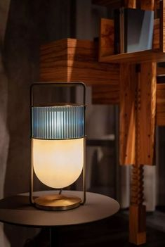 🔅 93 Decorating Your Home Or Office With Contemporary Table Lamps - ideasforyou.co #lampwork #lampdesign #elegant Glass Lamp, Modern Table Lamp, Lighting Inspiration, Table Top Lighting, Interior Lighting, Modern Table Lamp Design, Lamp Light, Lights, Bar Lighting