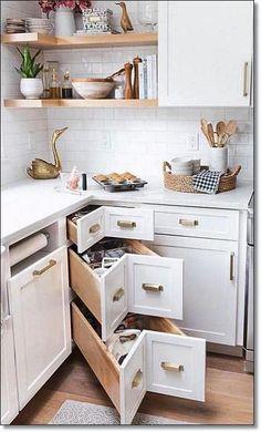 35 Små kjøkkendesign for kjøkkenoppussing. Hytteanbefaling for små kjøkken., 35 Små kjøkkendesign for kjøkkenoppussing. Hytteanbefaling for små kjøkken. Small Kitchen Plans, Small Condo Kitchen, Kitchen Ikea, Home Decor Kitchen, Kitchen Interior, New Kitchen, Small Kitchen Designs, 10x10 Kitchen, Ideas For Small Kitchens