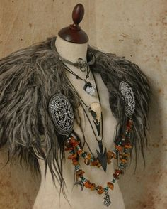 A collar from Vikings age. A collar from Vikings age. The post A collar from Vikings age. appeared first on Kleidung ideen. Viking Cosplay, Viking Garb, Viking Dress, Viking Costume, Vikings Costume Diy, Viking Wedding Dress, Voodoo Costume, Viking Warrior, Cosplay Costumes