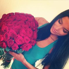 Guys who give girls flowers just because. <3