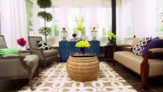 6 Ways to Decorate Your Sunroom - homeyou Home Decor Kitchen, Decor, Sunroom Decorating, Living Room Decor, Bedroom Decor, Hgtv, Dining Room Furniture, Living Room Bookcase, Room