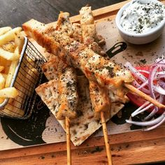 Welcome to Matina Pefkos Aparthotel Sharing Platters, Chicken Souvlaki, Pizza And More, Relaxing Holidays, Greek Dishes, Snack Bar, Greek Recipes, Rhodes, Catering
