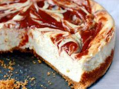 Cheesecake with Guava Swirl (Puerto Rico) Guava Recipes, Cuban Recipes, Sweet Recipes, Köstliche Desserts, Delicious Desserts, Dessert Recipes, Yummy Food, Guava Desserts, Guava Cake