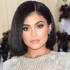 The hypnotizing Kylie Jenner made her first ever appearance on the Met Gala Red Carpet. Products used: Magic Cream, Supermodel Body, Retoucher, AirBrush FlawlessFinish, FilmstarBronze And Glow and Cheek To Chic in Love Is The Drug to create a healthy happy glow, followed by a mixture of The Vintage Vamp and The Dolce Vita Luxury Palettes, plus Full Fat Lashes. Makeup by Ariel Tejada for Charlotte Tilbury