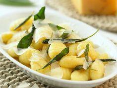 How to Make Potato Gnocchi, With Variations Potato Gnocchi Recipe, Gnocchi Recipes, Pasta Recipes, Dinner Recipes, Cooking Recipes, Dinner Ideas, Salvia, Italian Dishes, Italian Recipes
