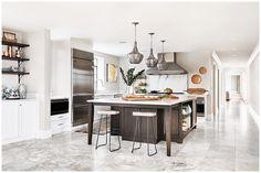 35+ Amazing Kitchen Dining Room Combo Photos – The Plumed Nest Kitchen Dining Combo, All White Kitchen, Farmhouse Style Kitchen, Kitchen Sets, Living Room Kitchen, Kitchen Styling, Dining Room, Kitchen Modern, Open Kitchen