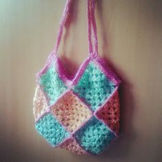 Crocheted tote bag with plastic grocery bags by Fritangas Eco Bags