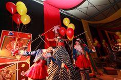Circus feest. Spraakmakend en geschikt als familiedag of feestavond.