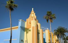 Colorful painted Art Deco houses in Miami, Florida - Photo by pidjoe/E+ Collection/Getty Images (cropped)